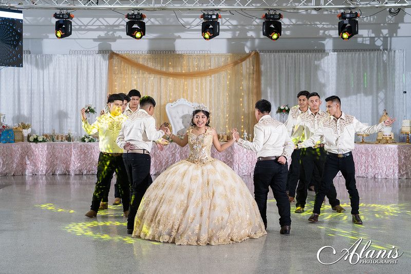 tampa_bay_wedding_quinceanera_photographer_Dalia_PartyDay-211
