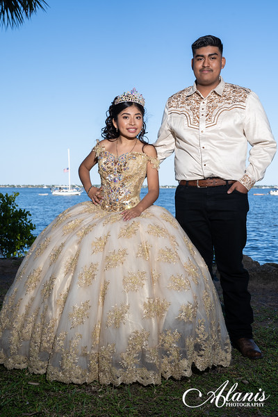 tampa_bay_wedding_quinceanera_photographer_Dalia_PartyDay-138