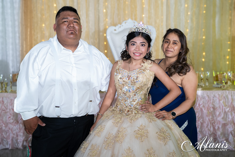 tampa_bay_wedding_quinceanera_photographer_Dalia_PartyDay-360