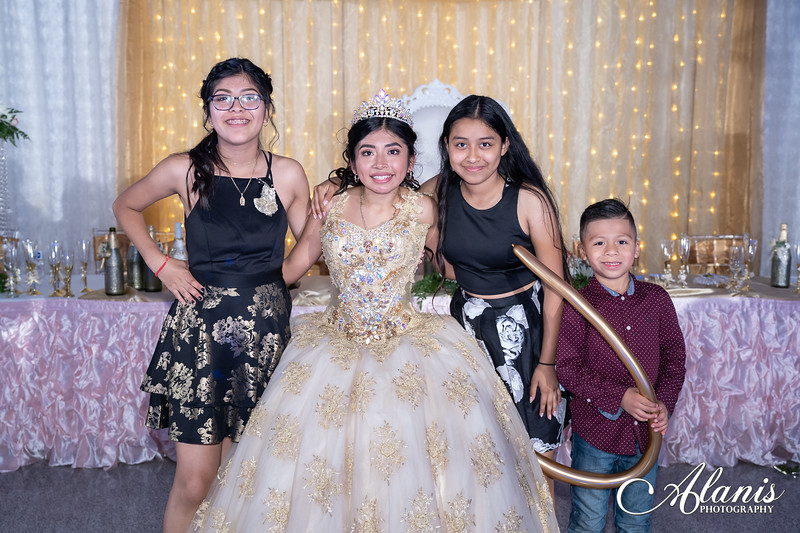 tampa_bay_wedding_quinceanera_photographer_Dalia_PartyDay-372
