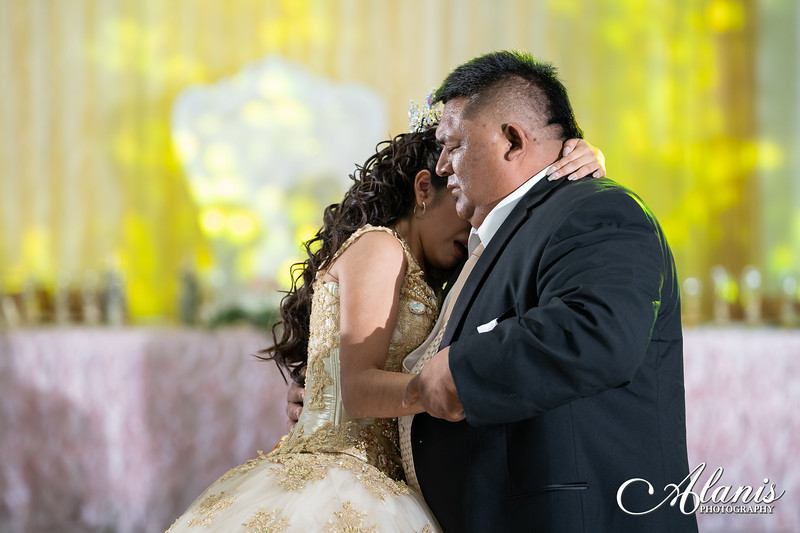 tampa_bay_wedding_quinceanera_photographer_Dalia_PartyDay-241