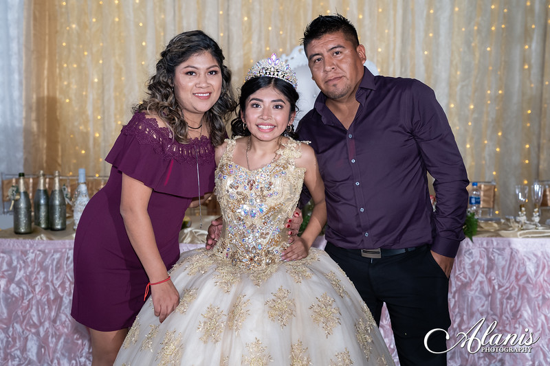 tampa_bay_wedding_quinceanera_photographer_Dalia_PartyDay-373