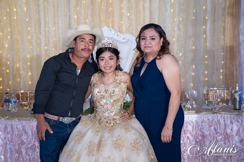 tampa_bay_wedding_quinceanera_photographer_Dalia_PartyDay-382