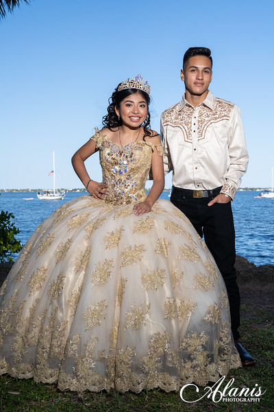 tampa_bay_wedding_quinceanera_photographer_Dalia_PartyDay-147