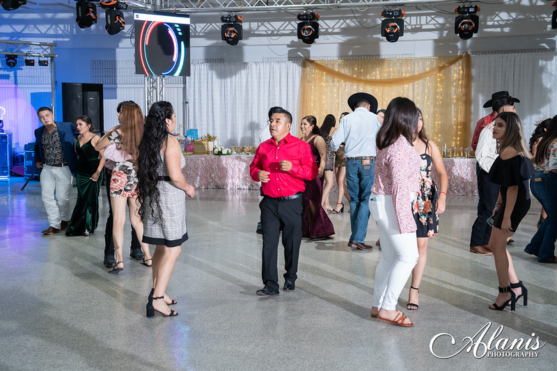 tampa_bay_wedding_quinceanera_photographer_Dalia_PartyDay-329