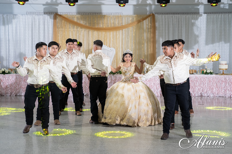 tampa_bay_wedding_quinceanera_photographer_Dalia_PartyDay-214