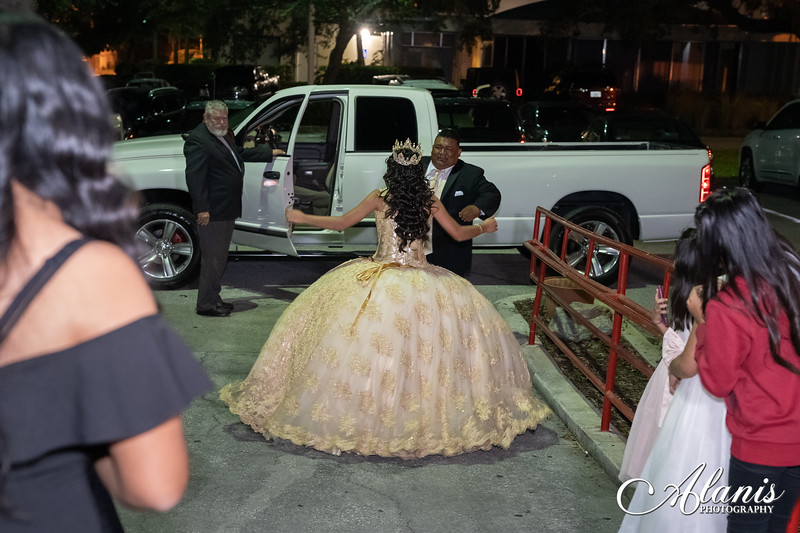 tampa_bay_wedding_quinceanera_photographer_Dalia_PartyDay-293