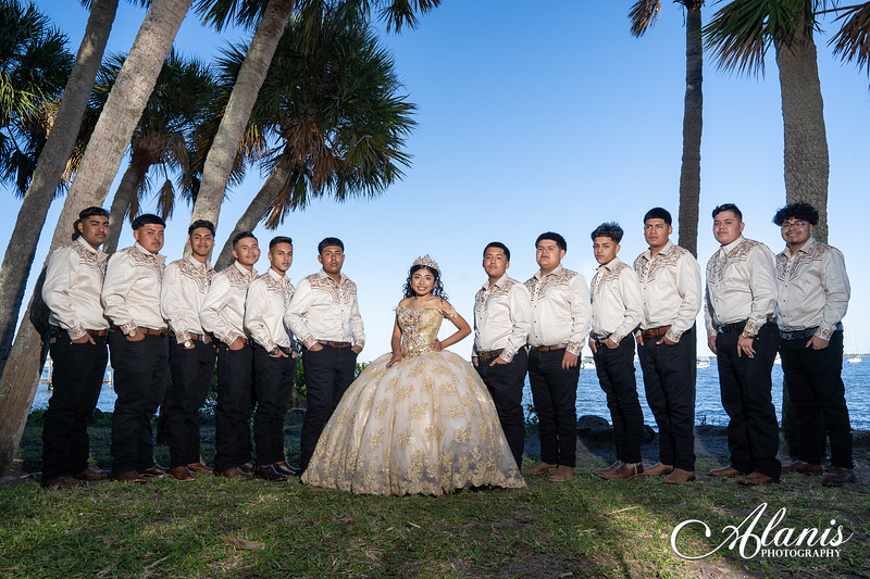 tampa_bay_wedding_quinceanera_photographer_Dalia_PartyDay-135