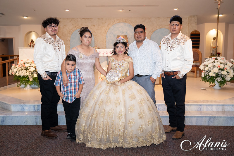 tampa_bay_wedding_quinceanera_photographer_Dalia_PartyDay-125
