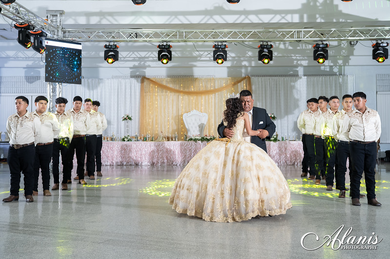 tampa_bay_wedding_quinceanera_photographer_Dalia_PartyDay-238
