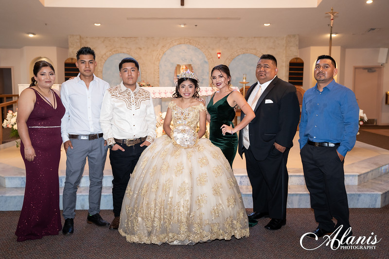 tampa_bay_wedding_quinceanera_photographer_Dalia_PartyDay-111