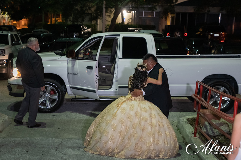 tampa_bay_wedding_quinceanera_photographer_Dalia_PartyDay-297