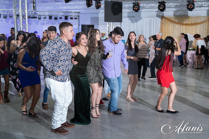 tampa_bay_wedding_quinceanera_photographer_Dalia_PartyDay-334
