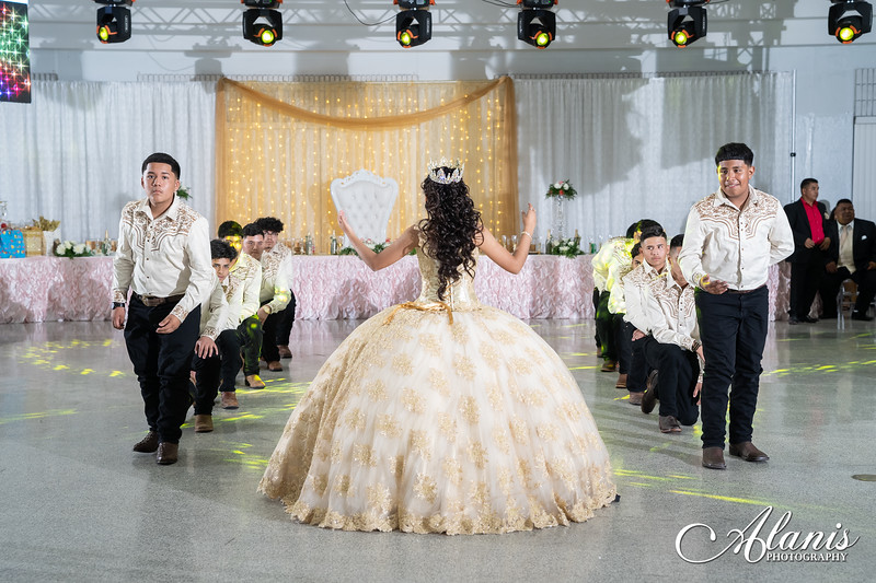 tampa_bay_wedding_quinceanera_photographer_Dalia_PartyDay-257