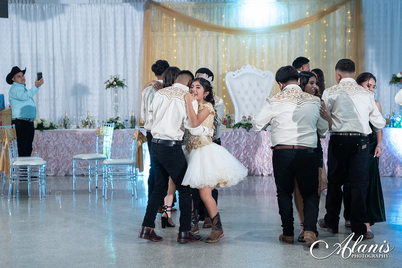 tampa_bay_wedding_quinceanera_photographer_Dalia_PartyDay-316