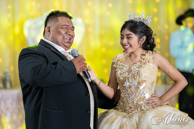 tampa_bay_wedding_quinceanera_photographer_Dalia_PartyDay-251