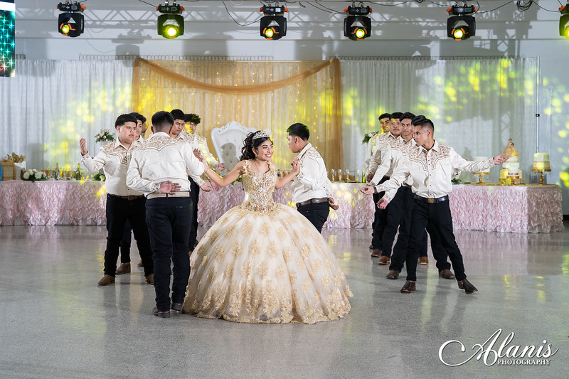 tampa_bay_wedding_quinceanera_photographer_Dalia_PartyDay-212