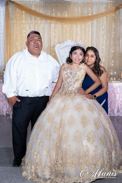 tampa_bay_wedding_quinceanera_photographer_Dalia_PartyDay-358