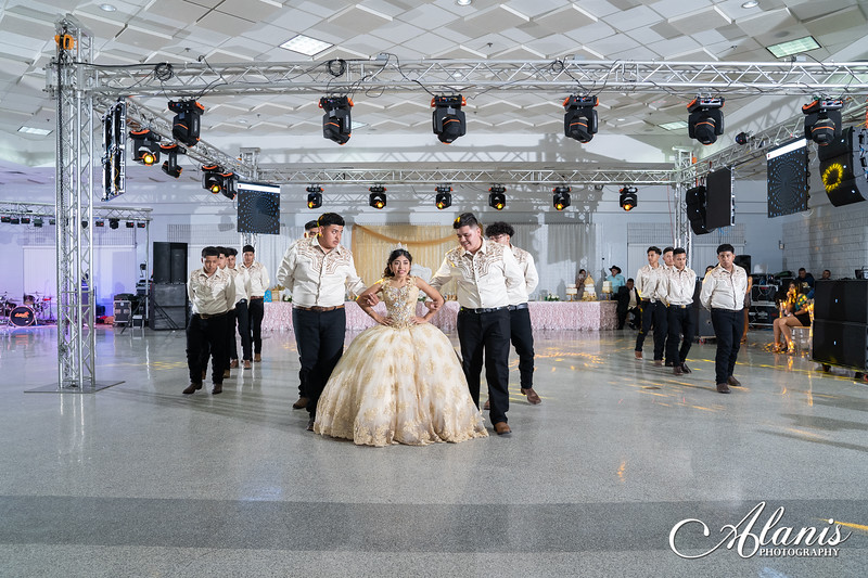 tampa_bay_wedding_quinceanera_photographer_Dalia_PartyDay-261