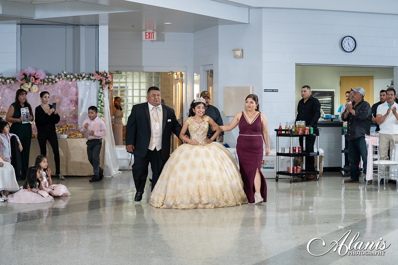 tampa_bay_wedding_quinceanera_photographer_Dalia_PartyDay-197