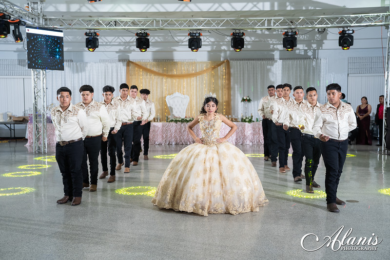 tampa_bay_wedding_quinceanera_photographer_Dalia_PartyDay-258