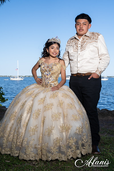 tampa_bay_wedding_quinceanera_photographer_Dalia_PartyDay-142