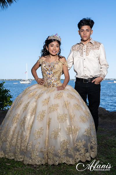 tampa_bay_wedding_quinceanera_photographer_Dalia_PartyDay-146
