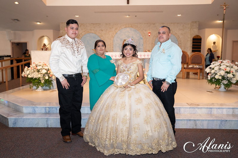 tampa_bay_wedding_quinceanera_photographer_Dalia_PartyDay-124