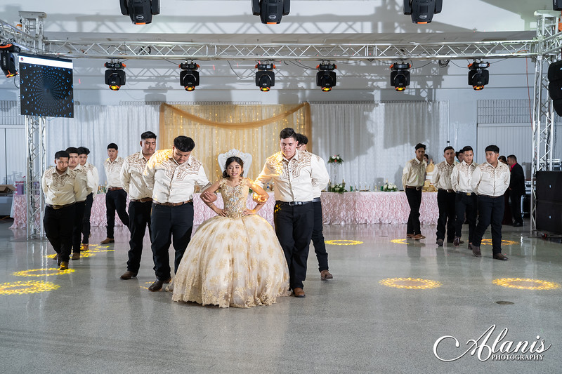 tampa_bay_wedding_quinceanera_photographer_Dalia_PartyDay-260