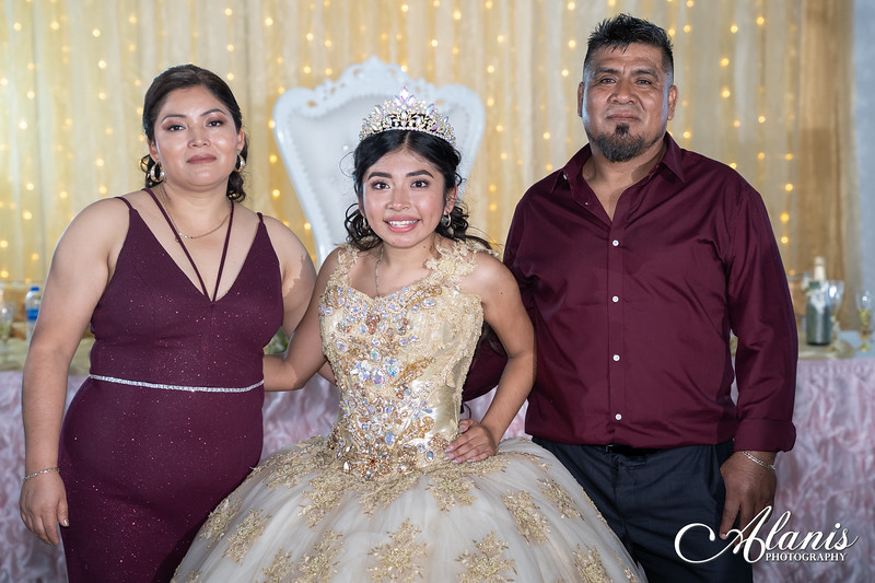 tampa_bay_wedding_quinceanera_photographer_Dalia_PartyDay-356