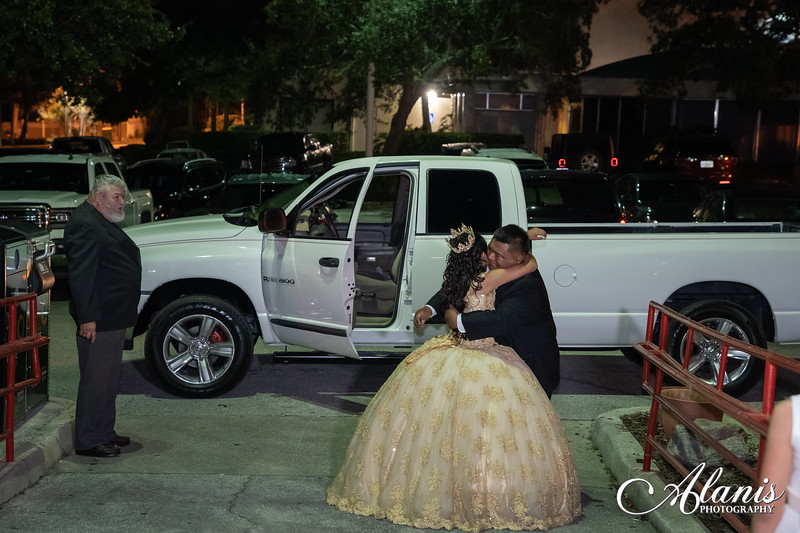 tampa_bay_wedding_quinceanera_photographer_Dalia_PartyDay-298