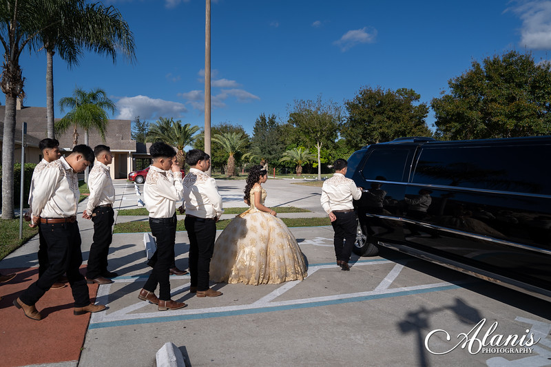 tampa_bay_wedding_quinceanera_photographer_Dalia_PartyDay-134