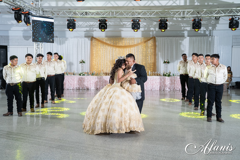 tampa_bay_wedding_quinceanera_photographer_Dalia_PartyDay-237