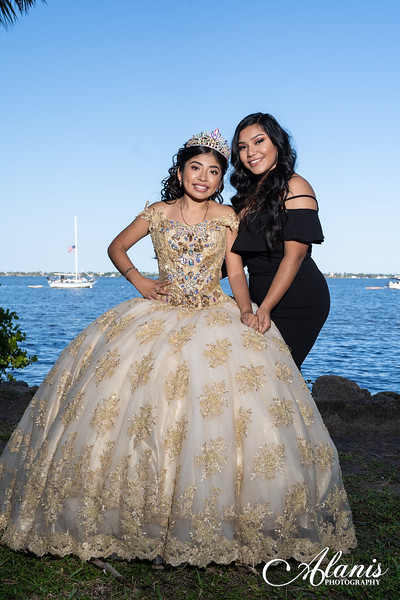 tampa_bay_wedding_quinceanera_photographer_Dalia_PartyDay-149