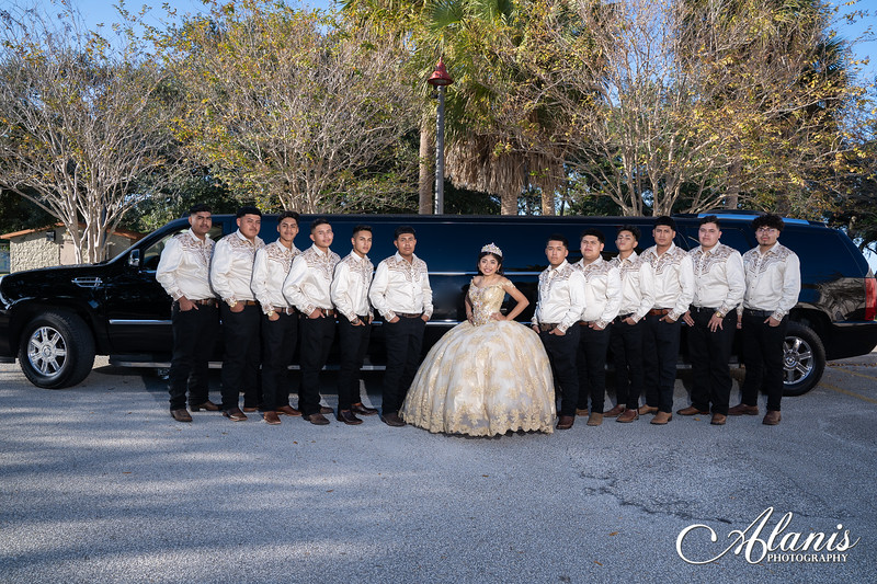 tampa_bay_wedding_quinceanera_photographer_Dalia_PartyDay-152