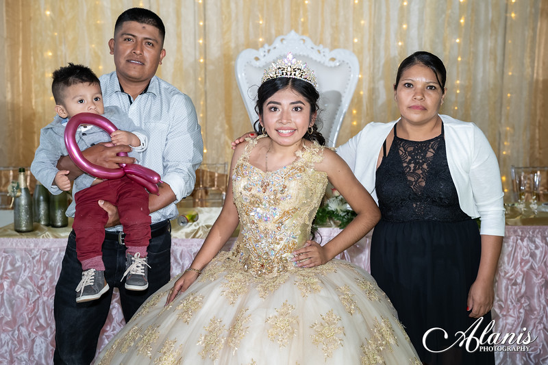 tampa_bay_wedding_quinceanera_photographer_Dalia_PartyDay-369