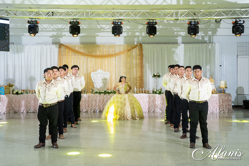 tampa_bay_wedding_quinceanera_photographer_Dalia_PartyDay-204