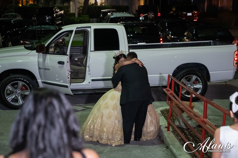 tampa_bay_wedding_quinceanera_photographer_Dalia_PartyDay-295
