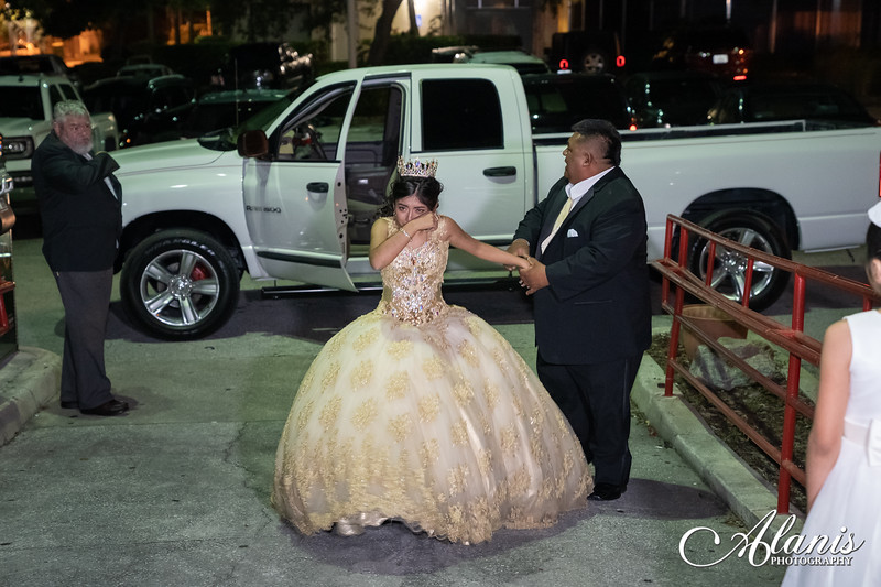tampa_bay_wedding_quinceanera_photographer_Dalia_PartyDay-299