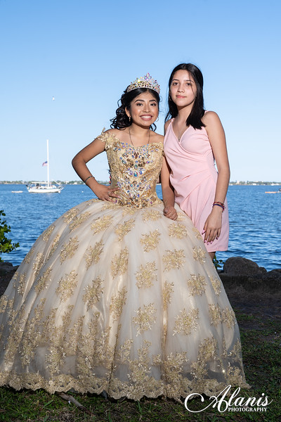 tampa_bay_wedding_quinceanera_photographer_Dalia_PartyDay-150
