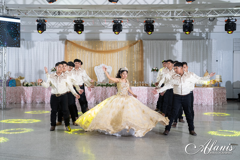 tampa_bay_wedding_quinceanera_photographer_Dalia_PartyDay-210