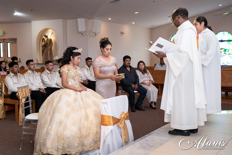 tampa_bay_wedding_quinceanera_photographer_Dalia_PartyDay-73
