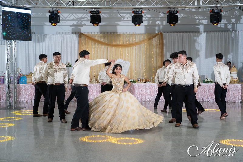 tampa_bay_wedding_quinceanera_photographer_Dalia_PartyDay-259