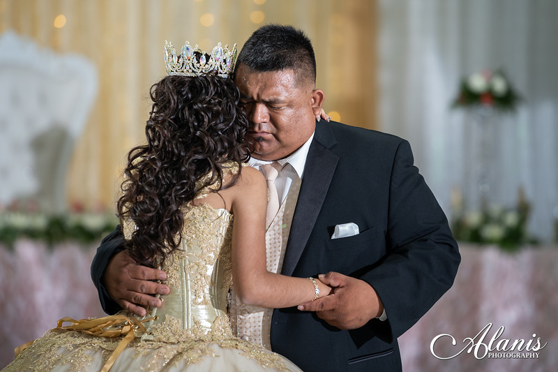 tampa_bay_wedding_quinceanera_photographer_Dalia_PartyDay-246