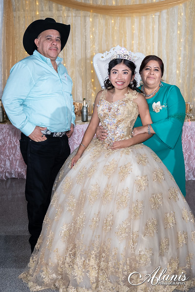 tampa_bay_wedding_quinceanera_photographer_Dalia_PartyDay-351