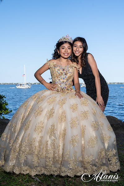tampa_bay_wedding_quinceanera_photographer_Dalia_PartyDay-148