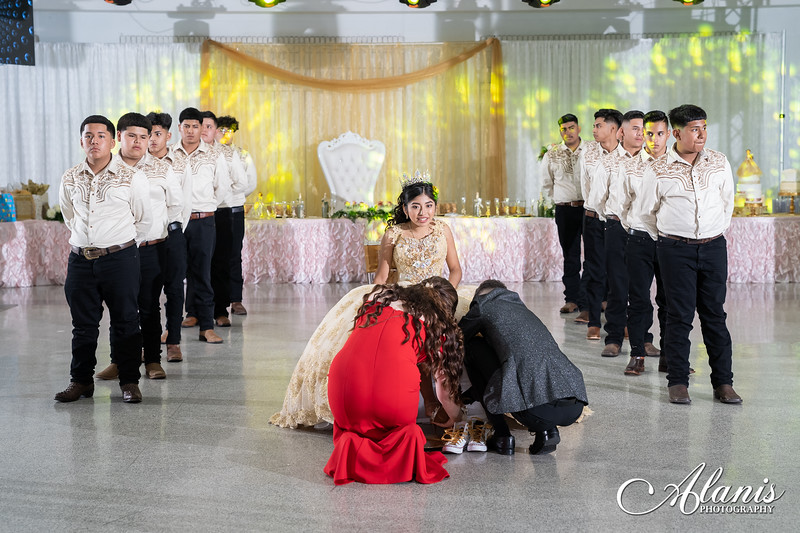 tampa_bay_wedding_quinceanera_photographer_Dalia_PartyDay-220