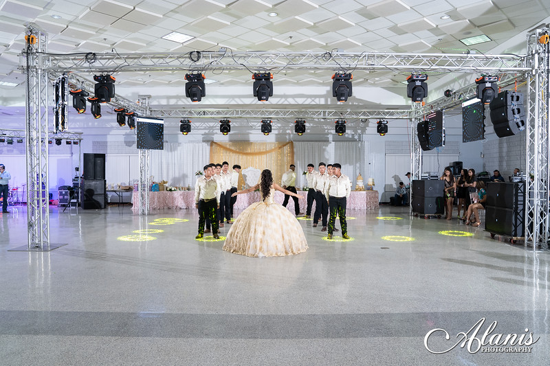 tampa_bay_wedding_quinceanera_photographer_Dalia_PartyDay-209