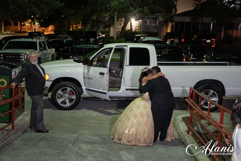 tampa_bay_wedding_quinceanera_photographer_Dalia_PartyDay-296