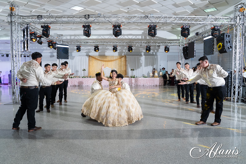 tampa_bay_wedding_quinceanera_photographer_Dalia_PartyDay-264